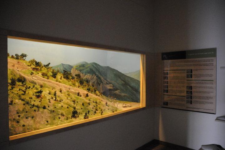 Cava storica del Furlo - vetrina e pannello